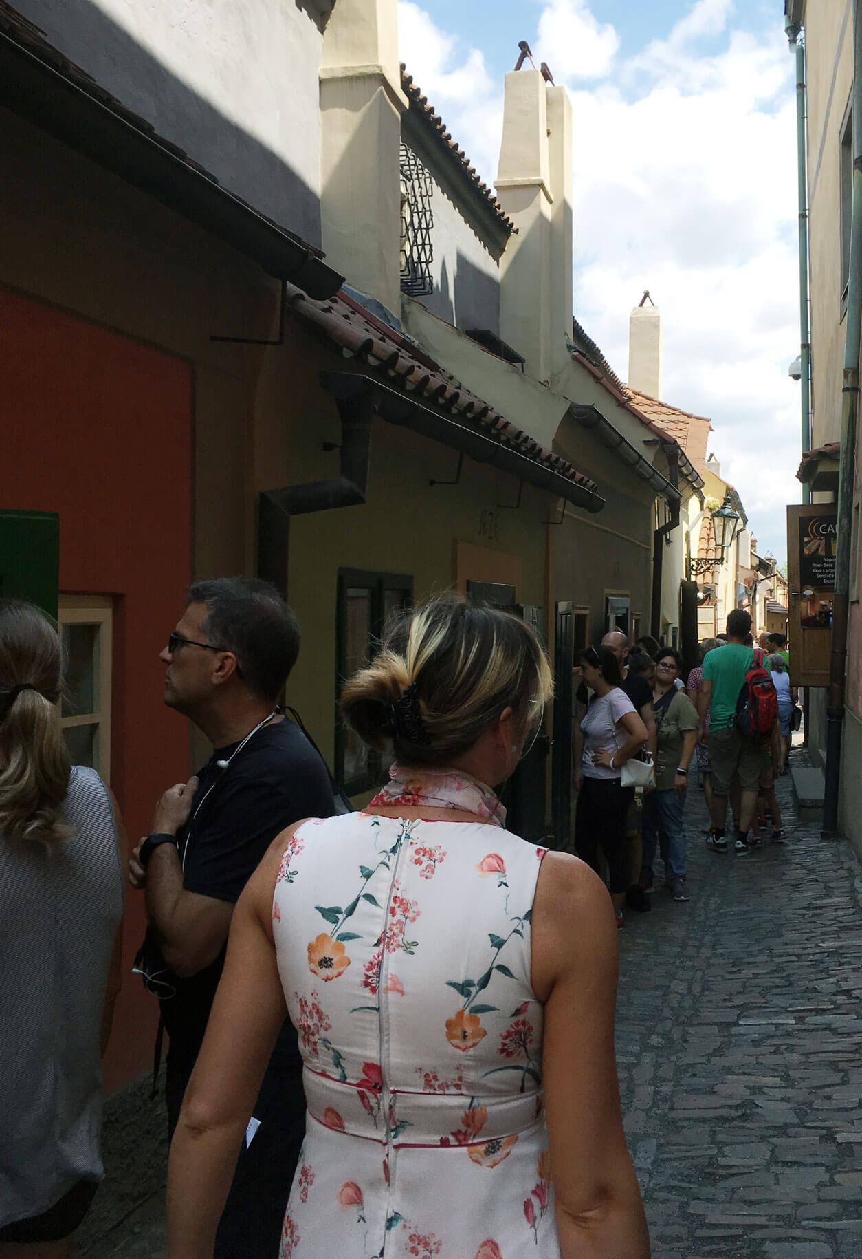 Arany utcácska a tömeg