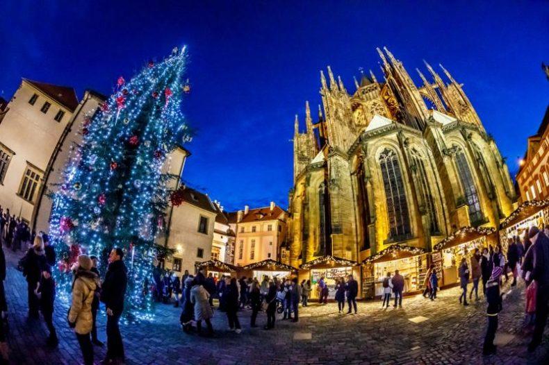 Prágai adventi vásár 2019 - prágai vár